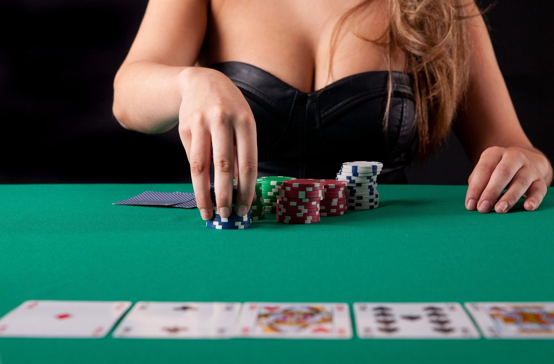 Unbiased Article Reveals Seven New Issues About Online Gambling